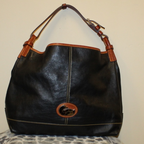b9919770de5a   SALE Dooney   Bourke Duck Black Leather Hobo Bag